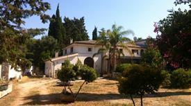 Antico Casale e palazzina con parco