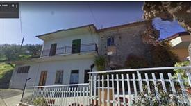 Casa con terreno a B.Ernica FR Collemartino 49.000 €
