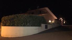 Villa Marcellina box auto e giardino  Marcellina