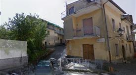 Appartamento piano terra in vendita a Serino 70000 euro