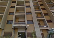 Vendesi appartamento  da ristrutturare