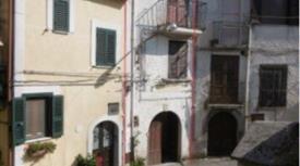 Casa indipendente in vendita in via Finelli