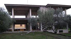 Villa bifamiliare al grezzo