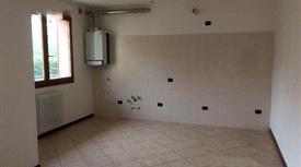 Ampia unità immobiliare con garage