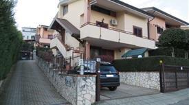 Vendesi splendida Villa di 300 mq - nel cuore di Andreotta - Doppio Ingresso -  Classe A