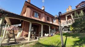 Villa in Vendita in Via Martiri della Libertà 8 a Castelletto Monferrato