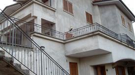 Villa in collina vicino Roma