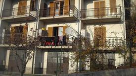 Appartamento su due piani in vendita in via Forea