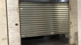 Garage, Posto Auto in Vendita in Via dell'Edera 11 a Roma