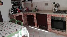 Vendesi casetta indipendente a Grana