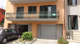 Appartamento arredato con garage 160.000 €