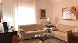 Appartamento quattro vani più accessori 128.000 €