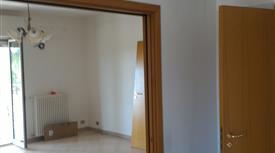 Appartamento al primo piano con terrazza di proprietà
