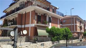 Quadrilocale in Vendita in zona Lunghezza, Castelverde a Roma