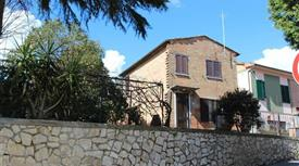 Casa Indipendente in vendita in via Emilia 22 a Montepulciano
