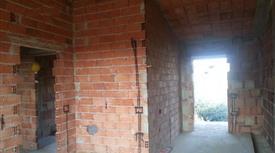 Bivani in corso di costruzione ai piani terra e 1°