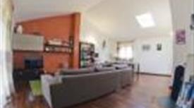 Grazioso appartamento con ampio e luminoso salone