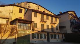 Casa indipendente, ampio magazzino Sommariva Perno