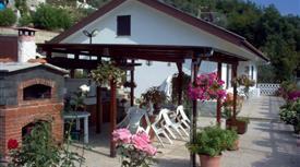 Casa Indipendente in Vendita in zona Testana a Avegno