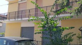 Appartamento con ingresso indipendente in vendita a Villa Raspa