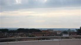 Allogio confortevole con tre affacci su un ampio terrazzo 287000€