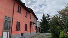 VENDESI casa indipendente 120mq arredata su due piani - colline tortonesi con vista panoramica.