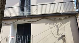 Casa indipendente via Casa Vivenzio 3, Quindici € 68.000