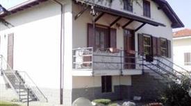 Villa indipendente con giardino 165.000 €