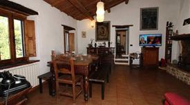 Casa colonica via Montefabbri 5, Vallefoglia € 365.000