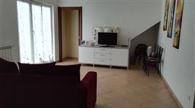 Villetta a schiera in contesto residenziale