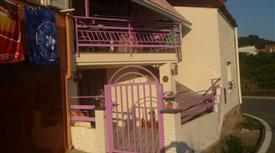 Graziosa casa indipendente su due livelli, arredata
