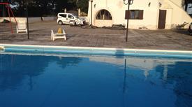 Bellissimo complesso di trulli con piscina in Valle D'Itria.
