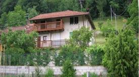 Casa con terreno zona Lamon