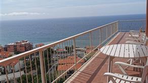 A pochi passi vicino al mare ampio appartamento