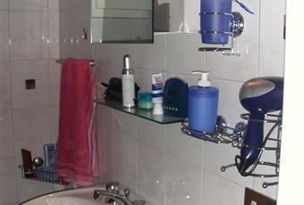 Bagno funzionale finestrato con vasca e bidet Piemonte VB Ghiffa