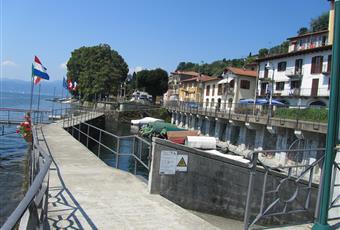 Lungolago con libero accesso alle spiagge del Lago Maggiore Piemonte VB Ghiffa