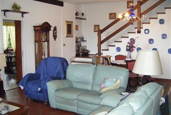 Salone interno 2 - comunicante tramite porta scorrevole a scomparsa con salone interno 1. Porta di ingresso dell'interno 2 Piemonte AL Belforte Monferrato