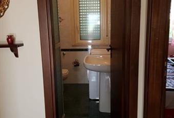 Il pavimento è piastrellato, il bagno è luminoso Sicilia AG Aragona