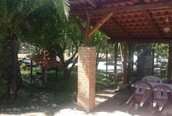 Il giardino è con pergola Calabria VV Ricadi