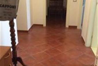 Il pavimento è di parquet, il salone è luminoso Emilia-Romagna MO Mirandola