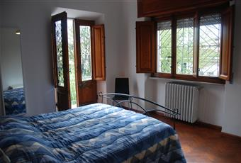 Il pavimento è di parquet, la camera è luminosa Toscana LU Lucca