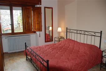 Il pavimento è piastrellato, la camera è luminosa Toscana LU Lucca