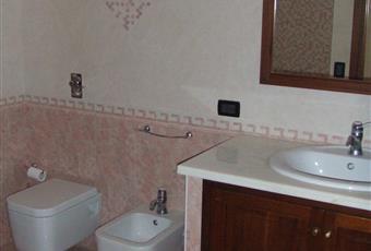 Bagno in camera con vasca idromassaggio e sanitari sospesi. Sicilia TP Marsala