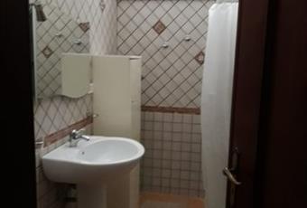 Il pavimento è piastrellato, il bagno è luminoso Puglia BR San Pietro Vernotico