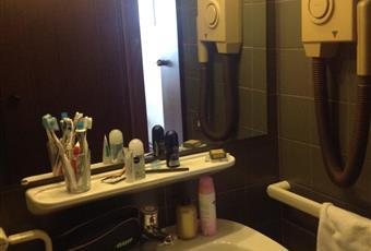 Bagno con doccia e asciugacapelli Piemonte TO Sestriere