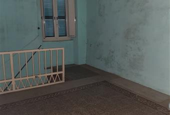 Nel secondo livello vi è un salone a vista passante con camino e ulteriore canna fumaria con stufa  Lazio VT Blera