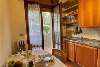 Il pavimento è piastrellato, la cucina è luminosa. Balcone sulle Torricelle di Verona. Nessun rumore Veneto VR Verona