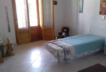 Il pavimento è piastrellato, la camera è luminosa Sicilia ME Galati Mamertino