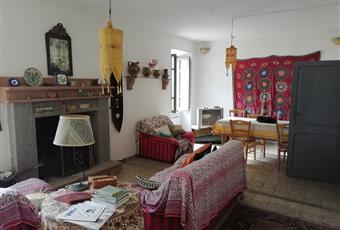 Occasione unica! Casa su tre piani con giardino al centro di San Michele in Teverina