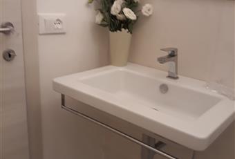 Bagno di lusso interno alla stanza e ovviamente privato Marche FM Fermo
